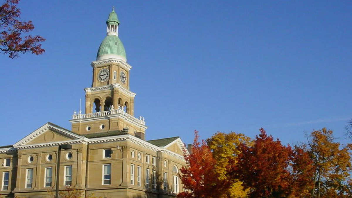 Hillsdale County Courthouse in Hillsdale, MI