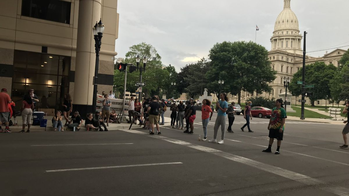Protesters who've gathered at the State Capitol say they plan to stay there all night in protest of Lansing Mayor Andy Schor. (Source: WILX)