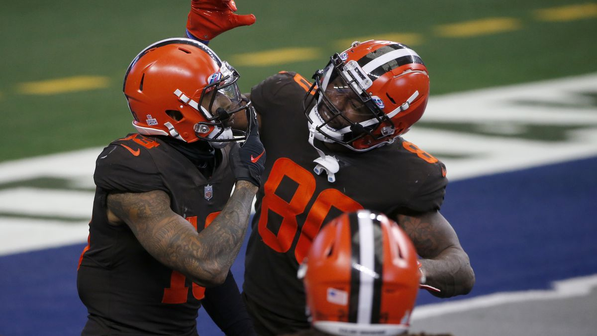 Cleveland Browns wide receiver Odell Beckham Jr. (13), wide receiver Jarvis Landry (80) and...