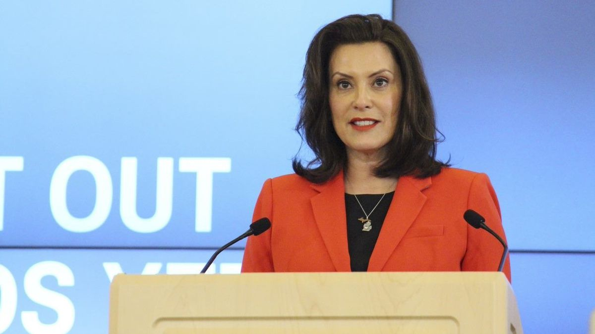 Whitmer signs tougher public mask executive order