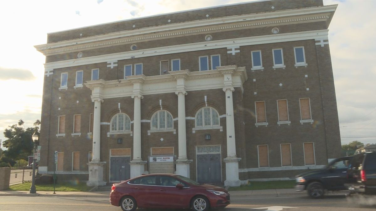 The iconic Temple Building in Lansing's Old Town neighborhood at the corner of Cedar Street and Cesar Chavez Avenue. (WILX)
