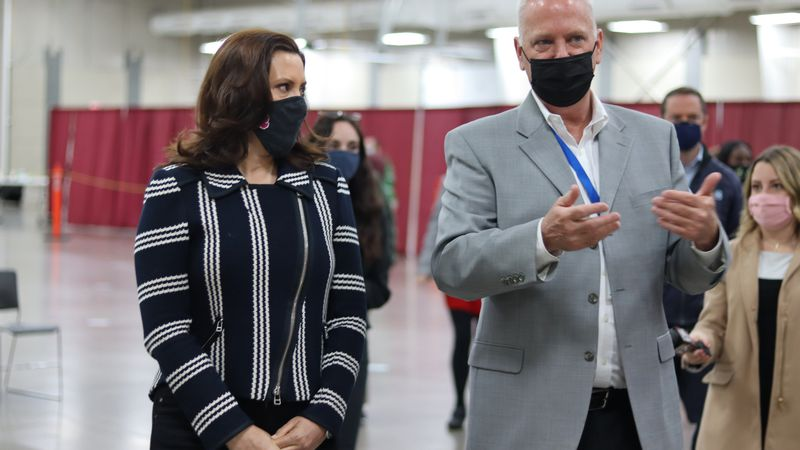 Governor Whitmer tours the Kalamazoo Expo Center after it was turned into a vaccination site.