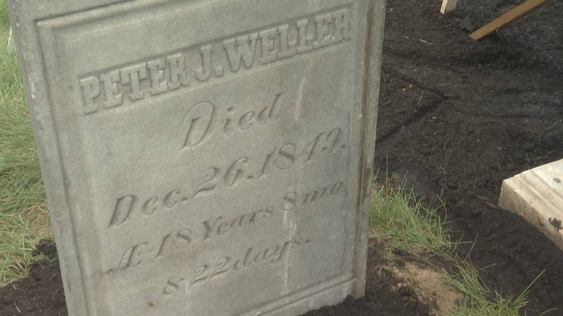 Peter Weller's grave stone.