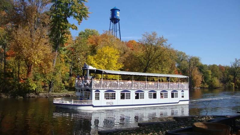 Grand Ledge Fall Festival river boat
