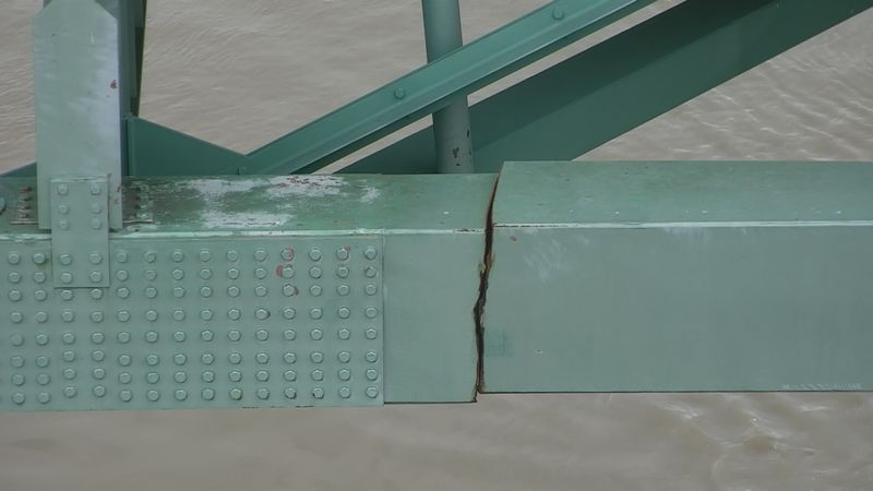 A significant crack was found in the 1-40  bridge over the Mississippi River that connects...