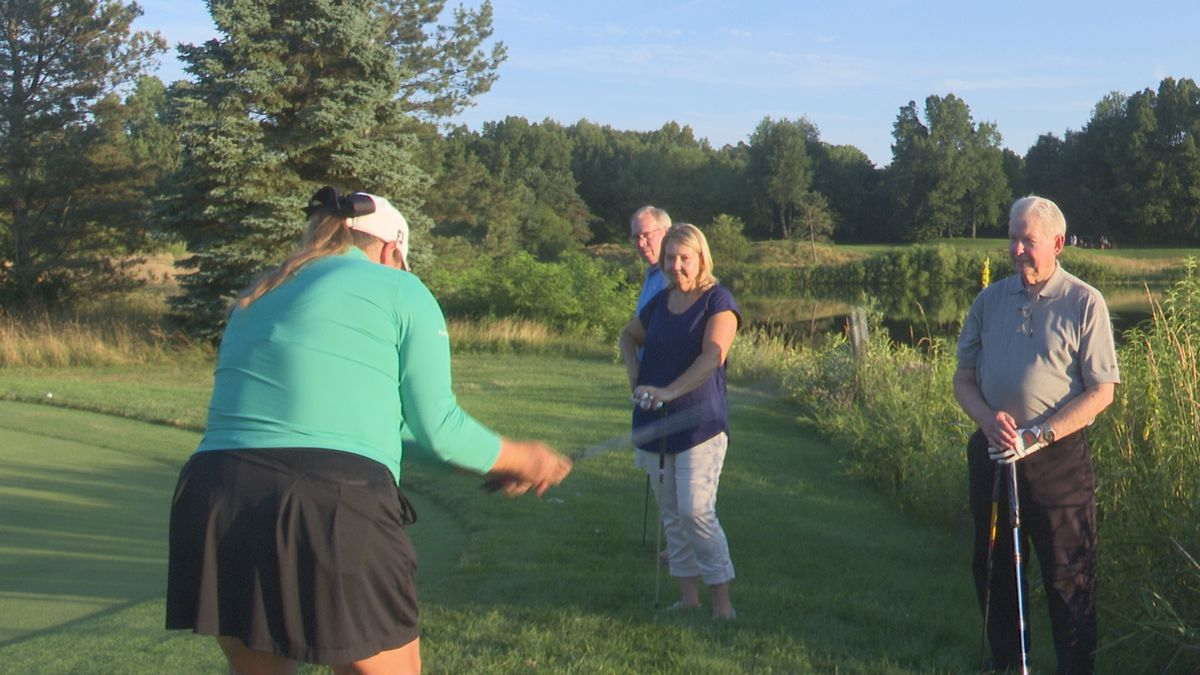 Former MSU star and current LPGA Tour pro Liz Nagel instructs golfers during a seminar at Hawk Hollow Golf Course