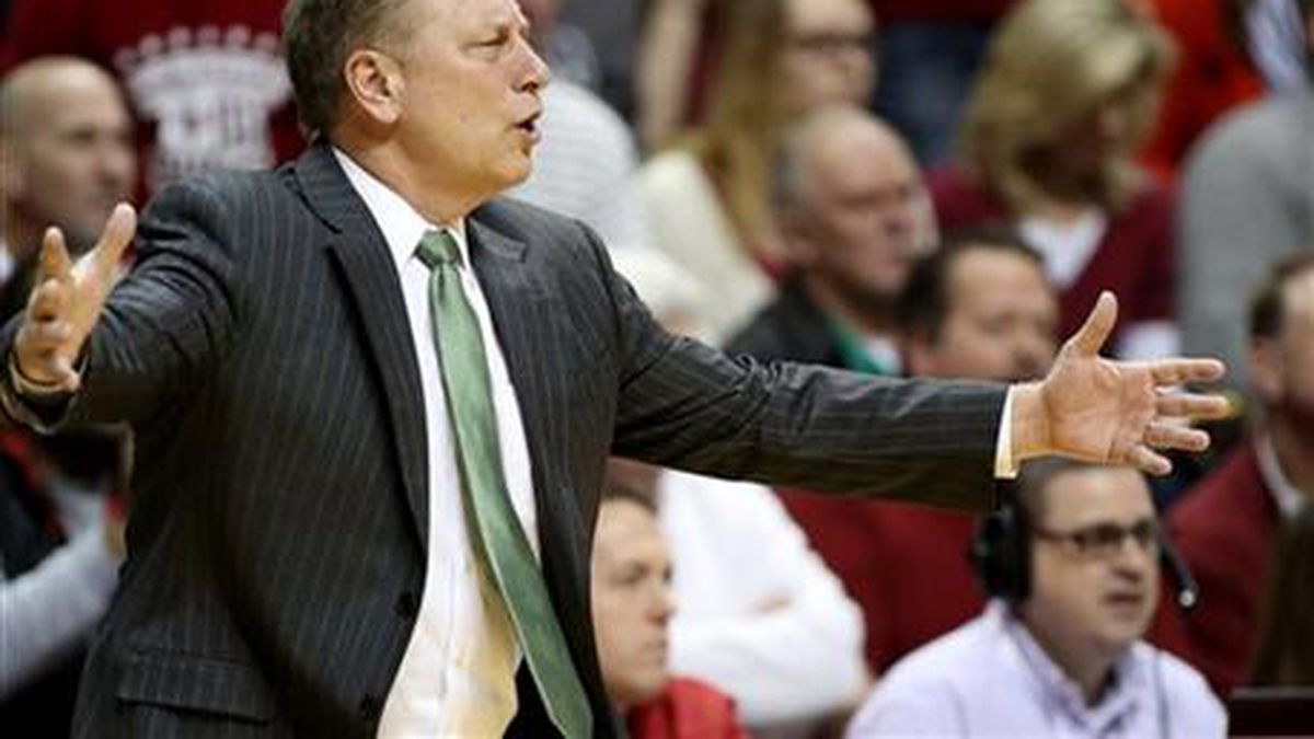 Michigan State head coach Tom Izzo reacts to a play during the first half of an NCAA college...