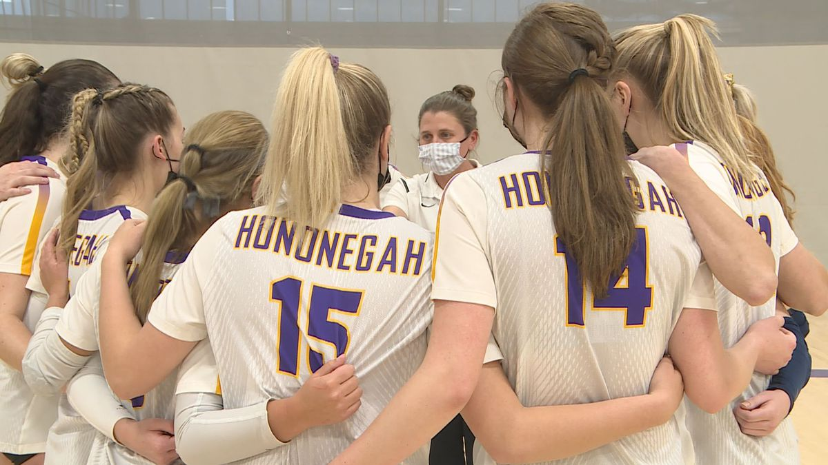 Hononegah defeated Guilford in straight sets on senior night.