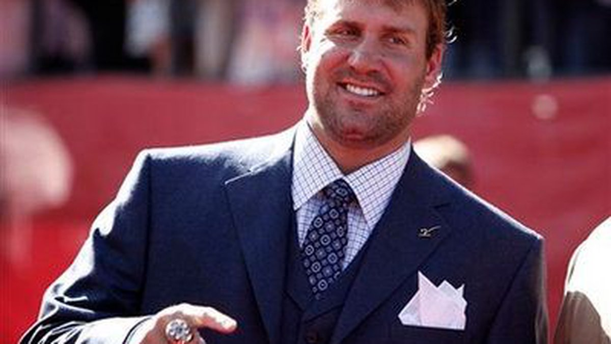 Ben Roethlisberger arrives at the ESPY Awards on Wednesday July 15, 2009, in Los Angeles.