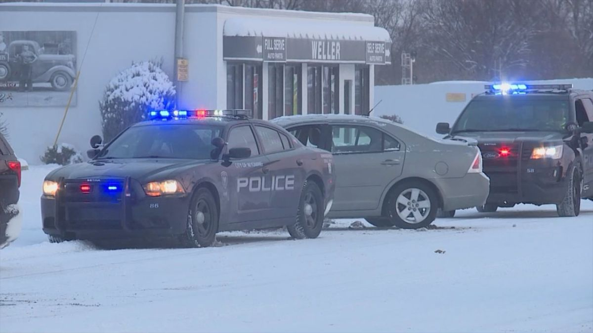 Wyoming, Michigan police cruiser involved in accident on Tuesday, Nov. 12. (WOOD)