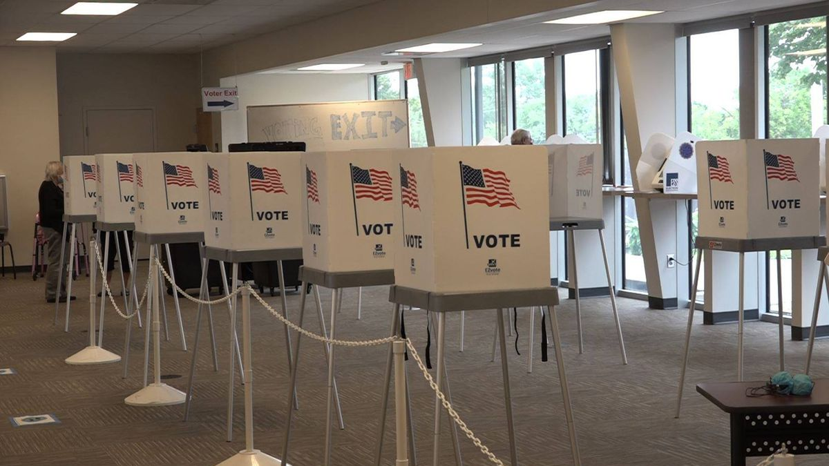 Shawnee County Election Office holds advance voting before Election Day. (July 28, 2020)