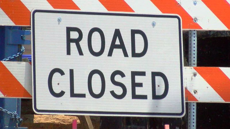 The City of Lansing is closing Miller Road from Executive Drive to Beechfield Drive construction.