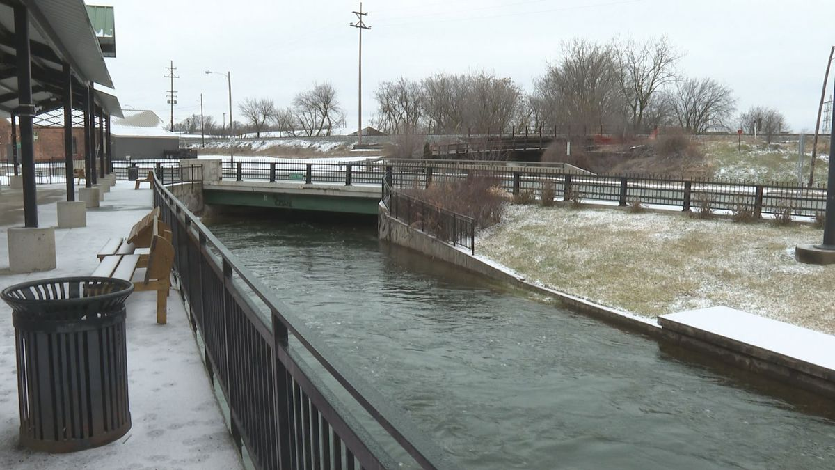 Grand River water levels rise in Jackson