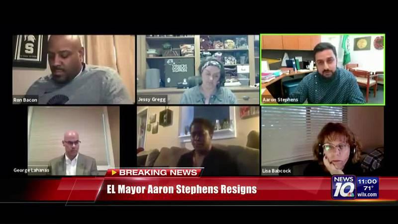 EL Mayor announces resignation
