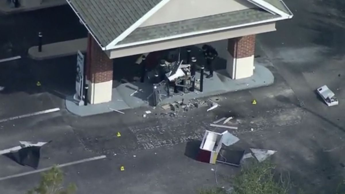 No injuries reported after bank ATM explodes in Oldsmar; FBI investigating (WTFS)