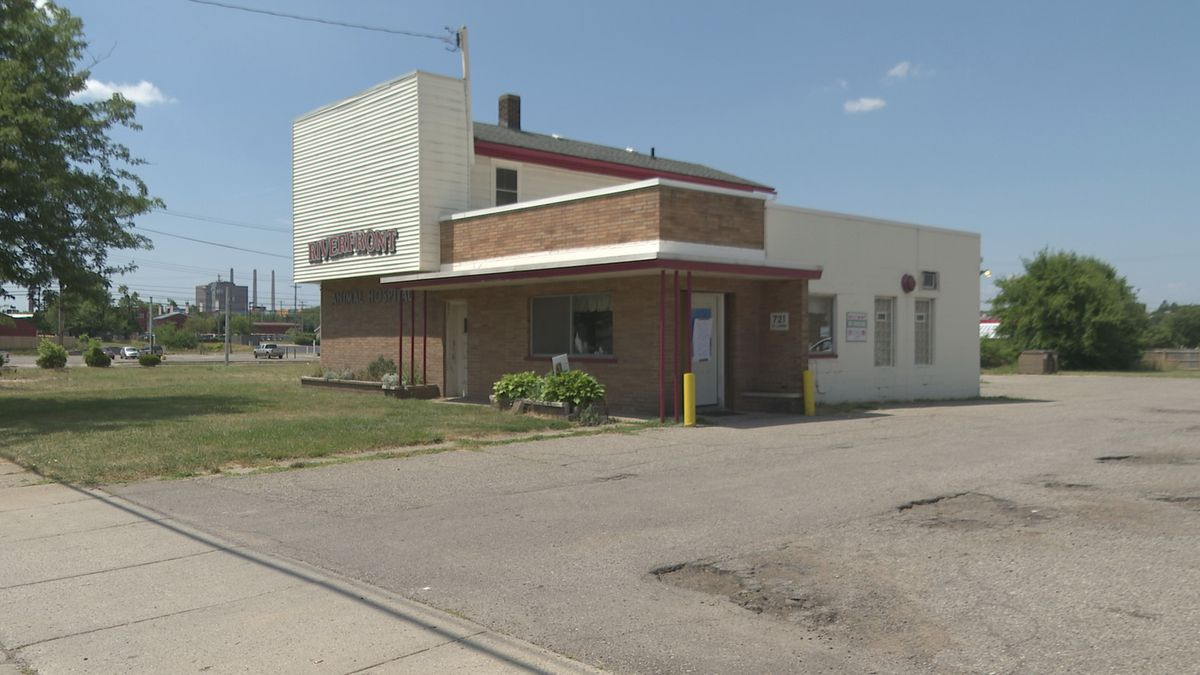 Three people test positive who were at Riverfront Animal Hospital.