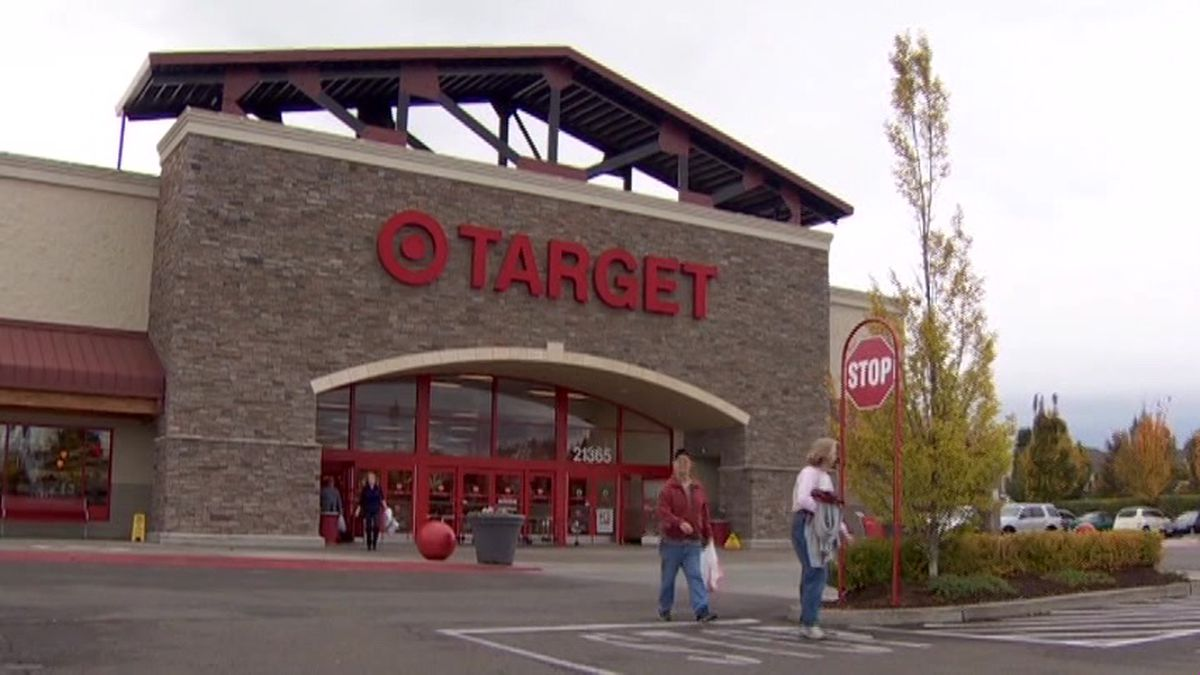 There's a push to get Target to get rid of plastic bags for good. (Source: CNN)